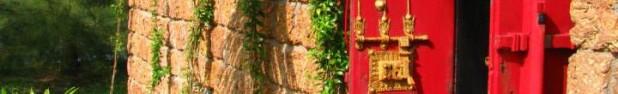 cropped-red-door-kerala2.jpg